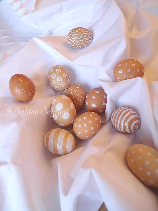 Eier braun weiß 2