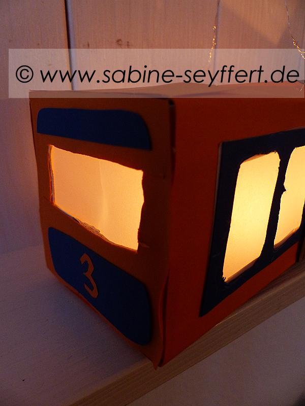 laterne-schwebebahn-10