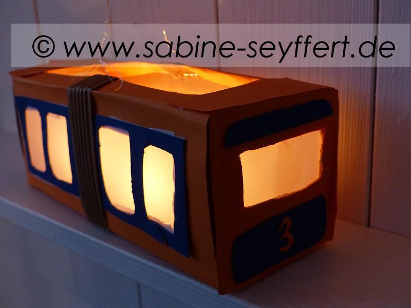 laterne-schwebebahn-2