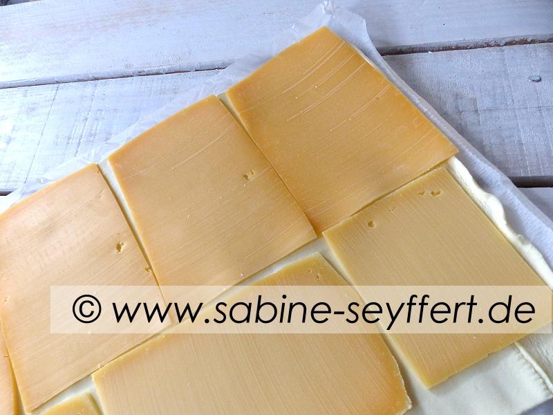 Blätterteigschnecken Käse 4