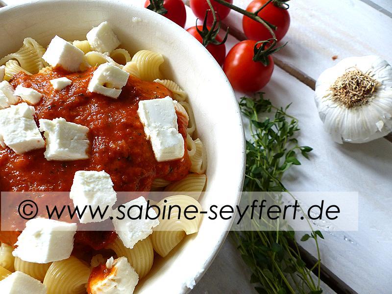 Nudeln Thymian Tomaten Soße 1
