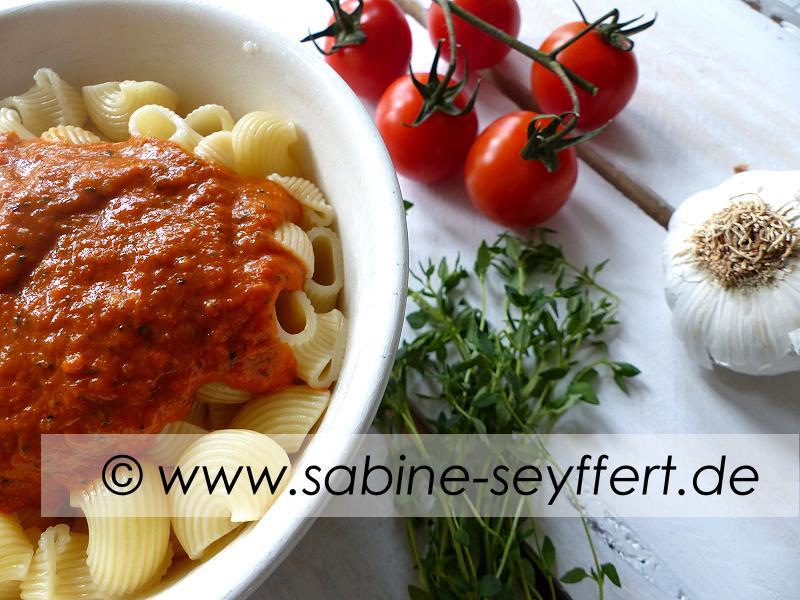 Nudeln Thymian Tomaten Soße 2