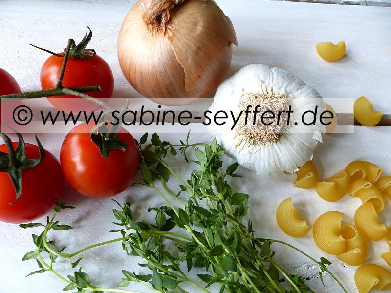 Nudeln Thymian Tomaten Soße 4