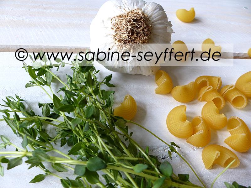 Nudeln Thymian Tomaten Soße 5