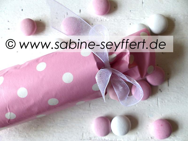 gutschein-rolle-rosa-1