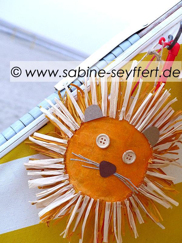 loewenlaterne-im-strandkorb-gelb