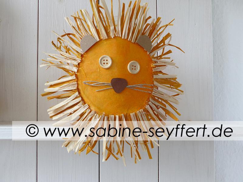 laterne-loewe-1