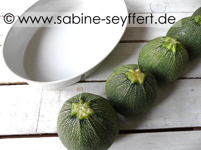 riesige runde zucchini