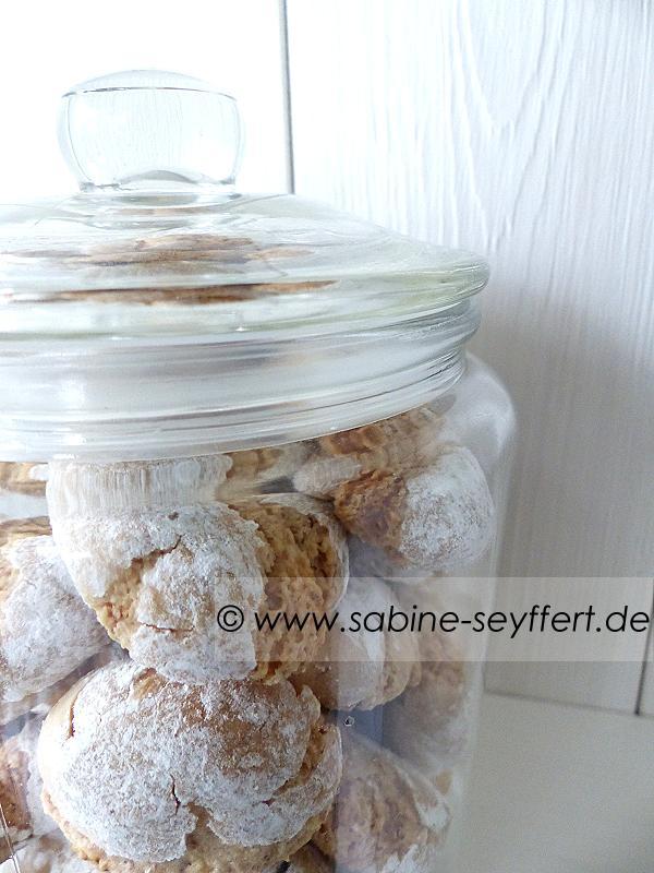 Rezept & Backanleitung: Geschenke aus der Küche – Amarettini im ...